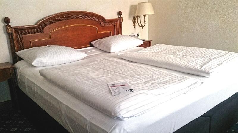 Hotel-Rotes-Ross-Bett