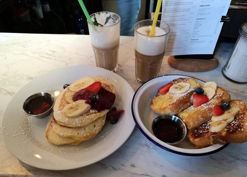 Frühstück im Lax Eatery