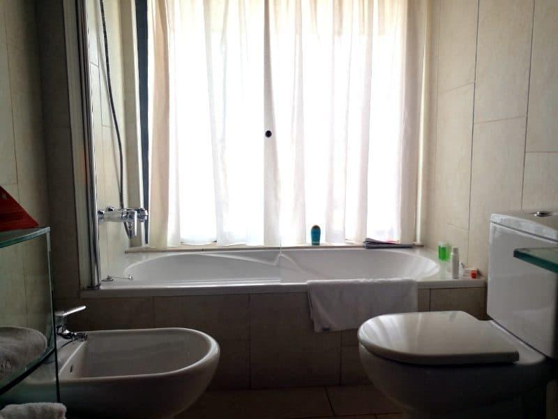 hotel barcelona princess suite badezimmer