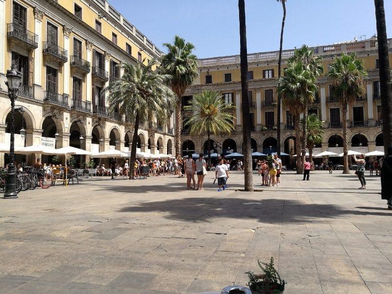 la rambla hinterhof in Barcelona